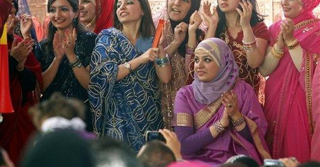 IRAQ NOTEBOOK: Witches, Bollywood at grad party