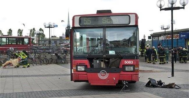 Speeding bus hits 6 during Stockholm Marathon