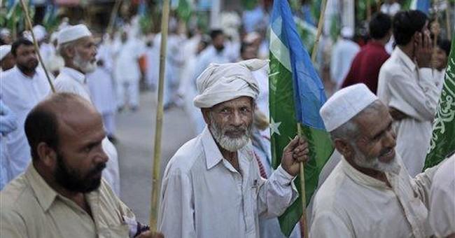 Suicide bomber kills 8 tribesmen in NW Pakistan
