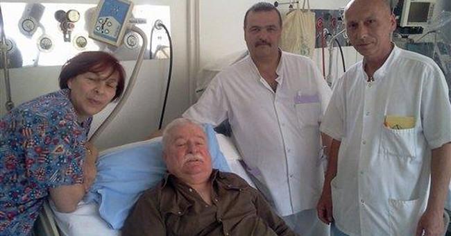 Former Polish president Lech Walesa hospitalized