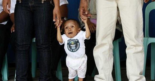 Guinness names Filipino as world's shortest man