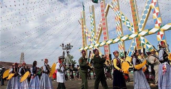 Myanmar gov't battles rebels near Chinese border
