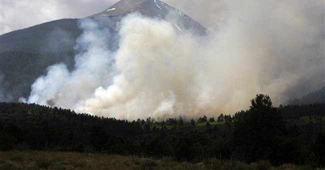 High winds, temps propel Southwestern wildfires