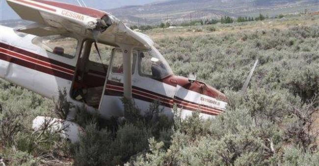 Plane stalls, crashes in Utah field, injuring 5