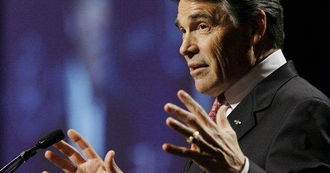 Perry gets tepid response at Latino convention