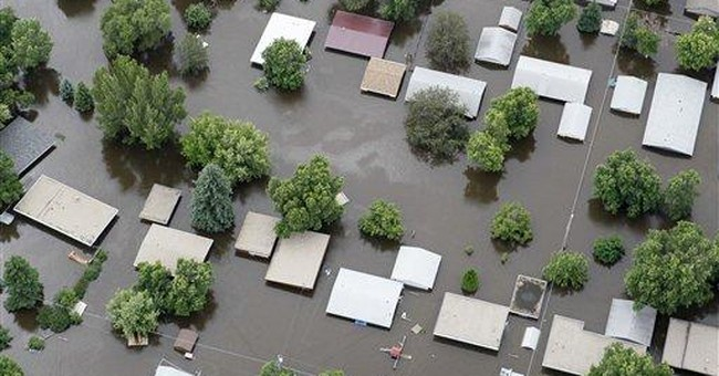 Business in flooded city survive with creativity