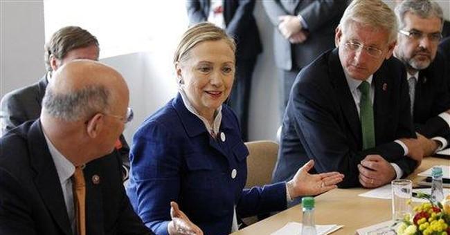 Clinton outlines road ahead for Arab democracy
