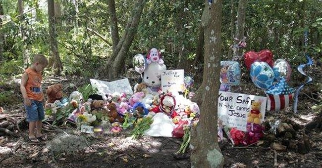 At Caylee's shrine, balloons and photo ops