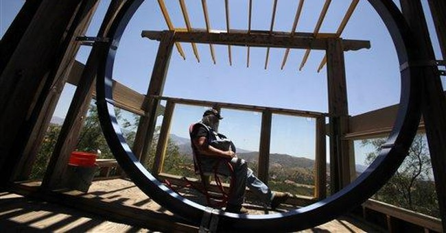 Residents California's 'Phonehenge' told to move