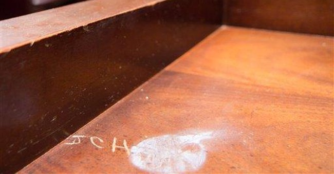 Tenn. lawmaker carved initials in her capitol desk