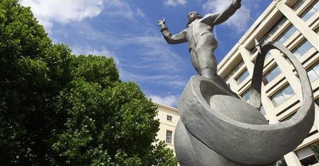 First man in space Yuri Gagarin gets London statue