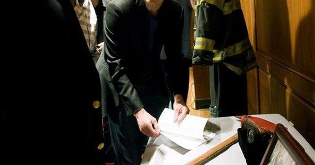 TV's 'Rescue Me' donates 9/11 items to Smithsonian