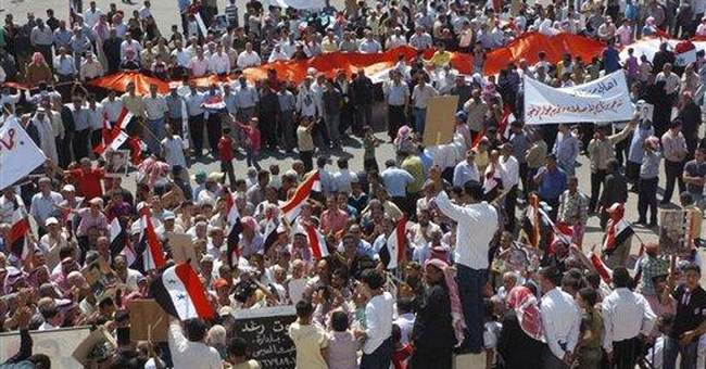 Syrian protesters take aim at economy