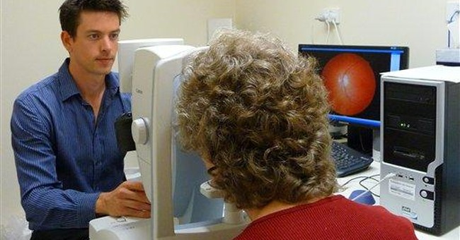 Falls, eye test may give clues to Alzheimer's