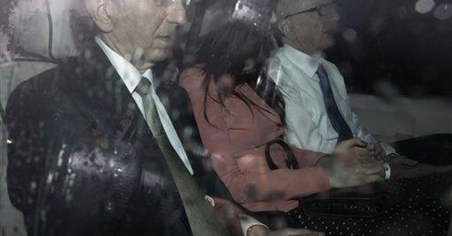 Murdoch's wife Wendi steals the spotlight