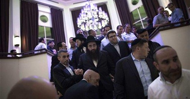 In Israel, rich and famous flock to wonder rabbi