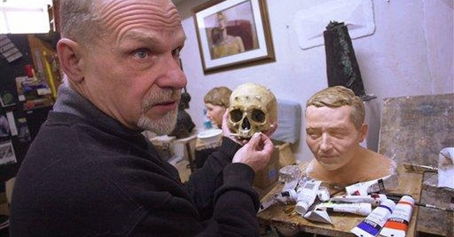 Pa. sculptor dies; worked to ID criminals, victims