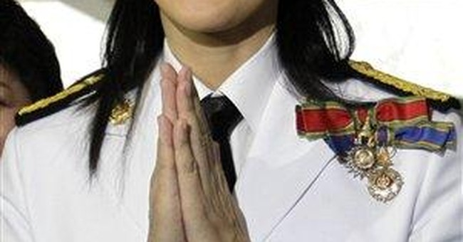 Thai lawmakers vote Yingluck Shinawatra as premier