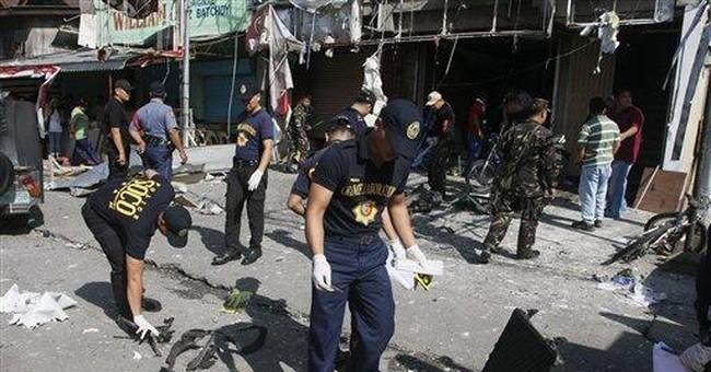 Bomb blast kills 1, wounds 12 in Philippines