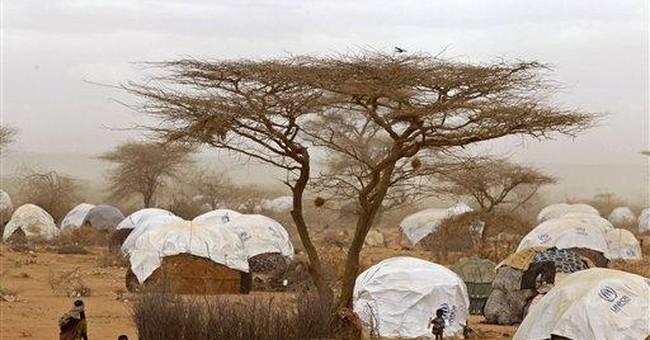 Clinton urges Somali militants to allow famine aid