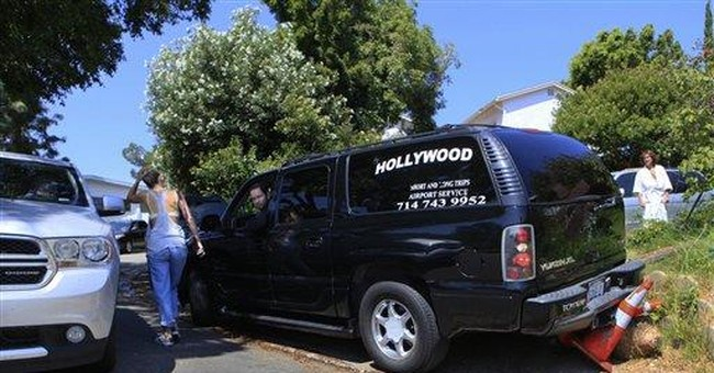 Hollywood sign neighbors fume at tourist invasion