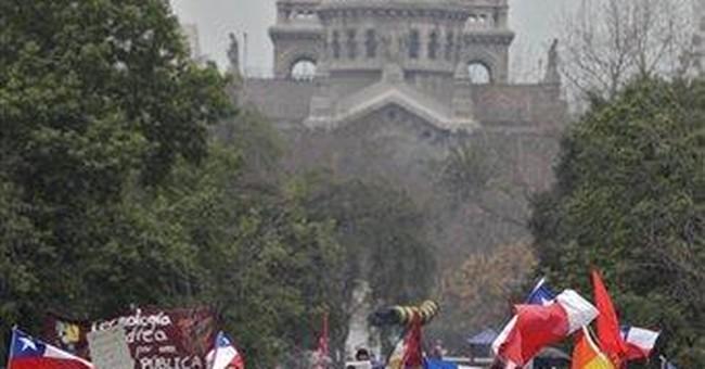 Chilean students demand referendum on education