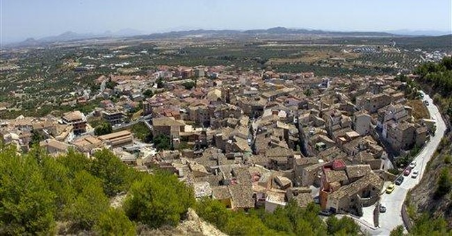 Spanish towns face funding crisis, rack up debts