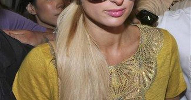 Paris Hilton loses cellphones on plane to Manila