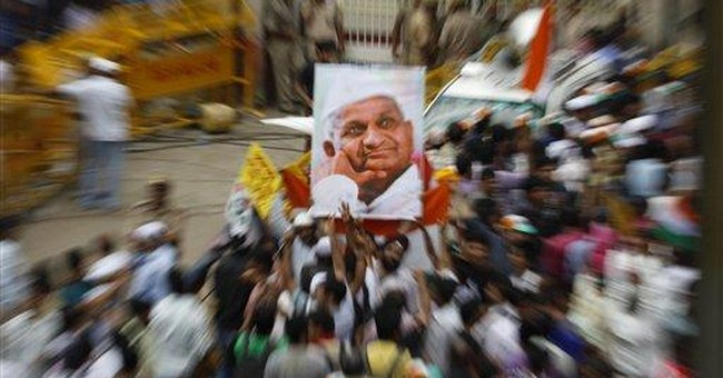 Corruption-weary Indians support activist's fast