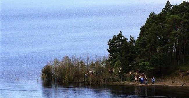 Norway massacre survivors return to scene of crime