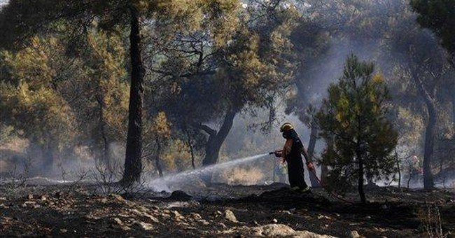 Large forest fires rage in Greece