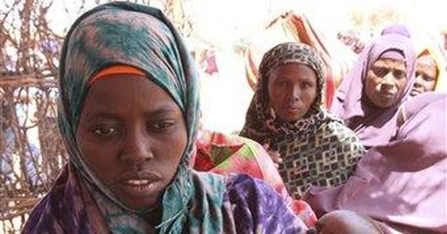 Somalia's refugees celebrate holiday with food aid