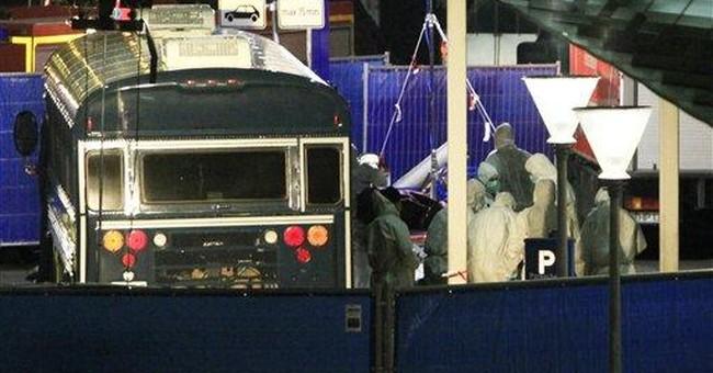 Suspect admits killing US airmen at German airport