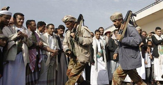 Yemen defense minister's convoy hit by blast