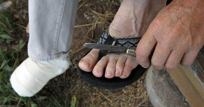 Colorado logger cuts off toes after foot is pinned