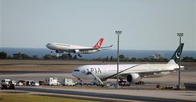 2 Pakistan Airlines flights get bomb threats