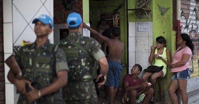 More troops flood into police-controlled Rio slum