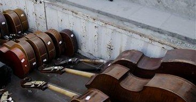 American Jazz troupe donates instruments to Cubans