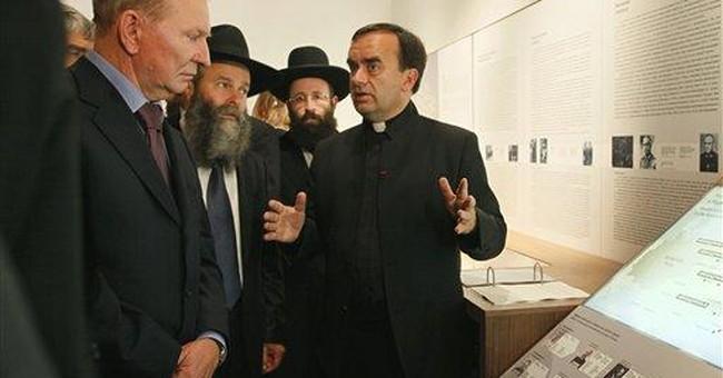 Holocaust exhibit opens in Kiev