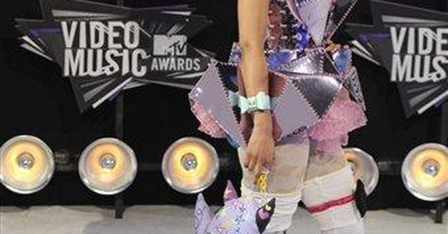 Score for Minaj: Front row next to Anna Wintour