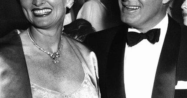 Dolores Hope, wife of Bob Hope, dies at 102