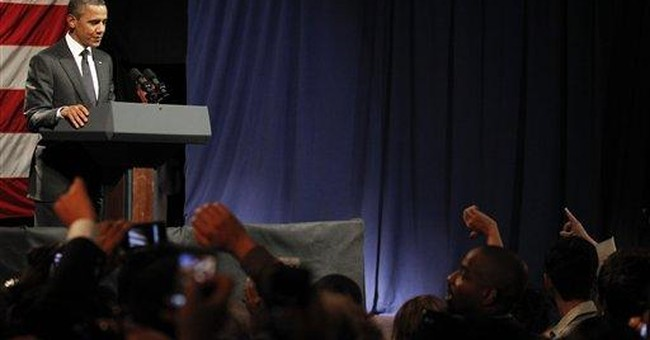 Heckler interrupts Obama fundraiser