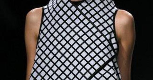 Gaga stylist disappoints at Paris fashion week