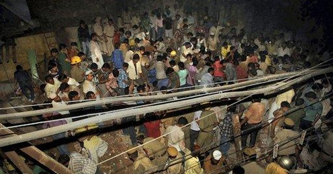 Residential building crumbles in Old Delhi; 7 dead