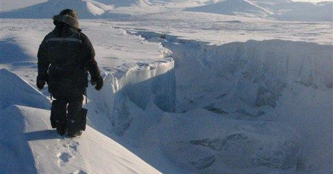 Canadian Arctic nearly loses entire ice shelf