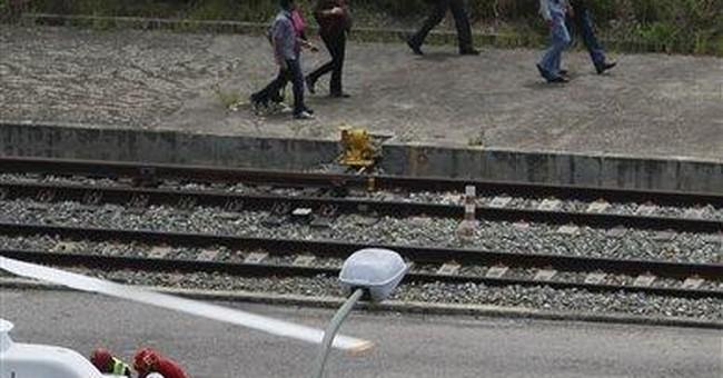 1 dead, about 30 hurt in Venezuela train crash