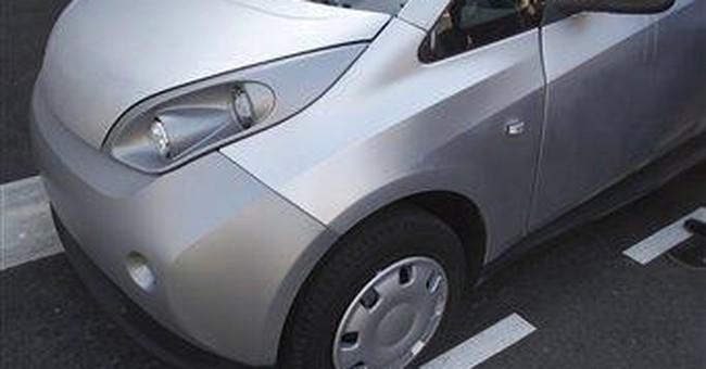 Paris readies electric car-sharing program