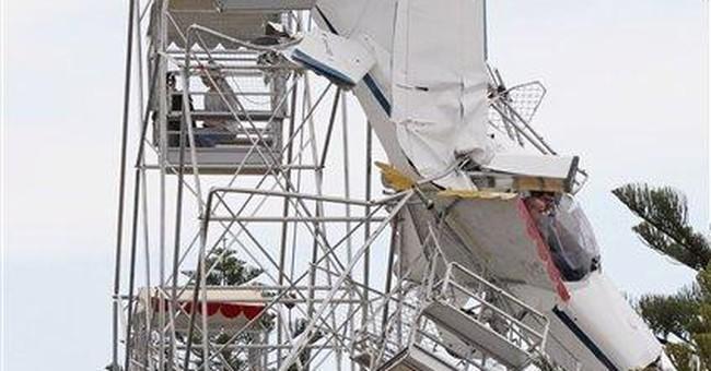 Plane hits Ferris wheel in Australia; no injuries