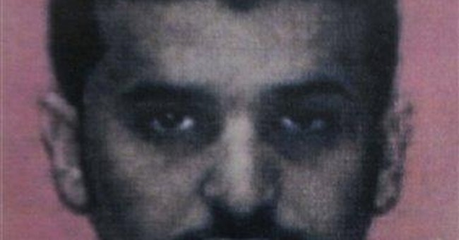 Yemeni official: Al-Qaida bomb maker not killed
