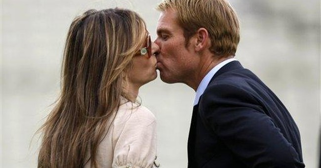 Liz Hurley engaged to Australian ex-cricketer